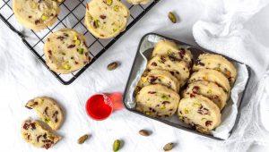 piškoti z brusnicami in pistacijami